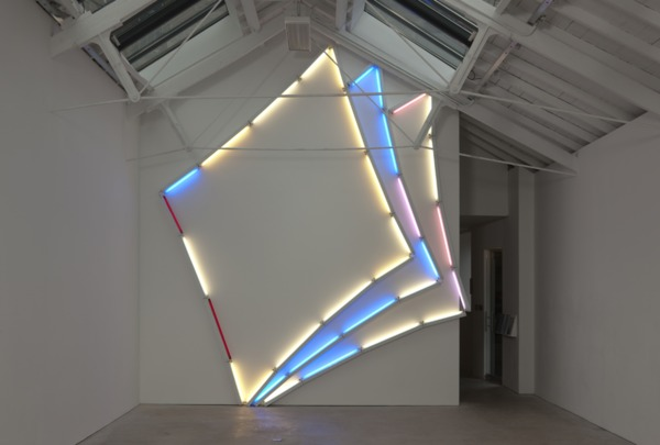 Mark Handforth, Diamonds, 2010, Fluorescent lights and fixtures, 475 x 430 x 12 cm