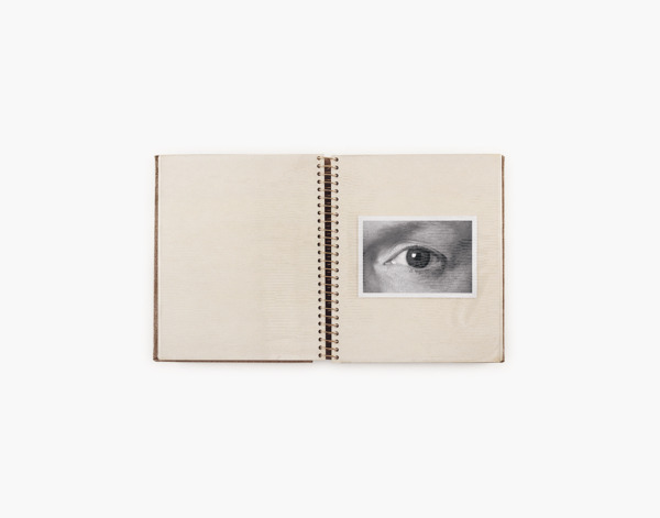 Anne Collier, Album (Eye) #1, 2014, C-print, 126.4 x 158.1 cm
