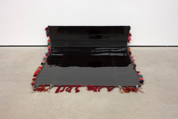Eva Rothschild, Felix, 2010, Polyurethane and rug, 50 x 200 x 145 cm