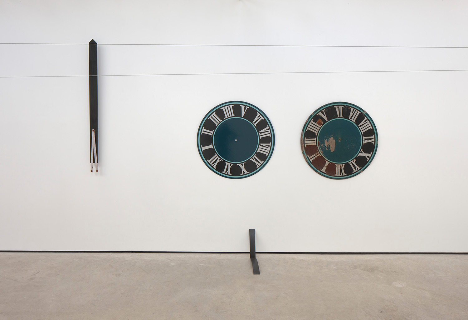Katja Strunz, Dynamic Fatigue Test (system integrators), 2012, Steel, duroplast, varnish, 164.5 x 11 x 7.5 cm (left), 98 x 234 x 5 cm (right), 32 x 7.5 x 60 cm (bottom)