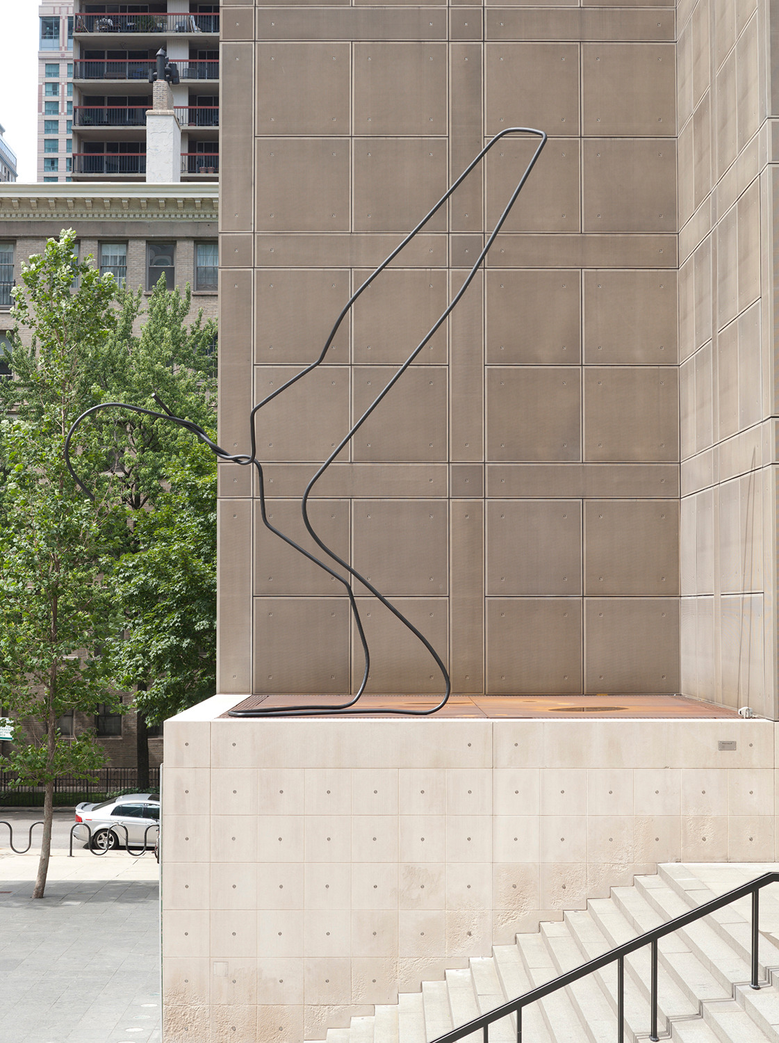 Mark Handforth, Blackbird, 2011, Steel, aluminum, enamel paint, 762 x 701 x 304 cm, Installation view, 'MCA Chicago Plaza Project', Museum of Contemporary Art, Chicago, 2011