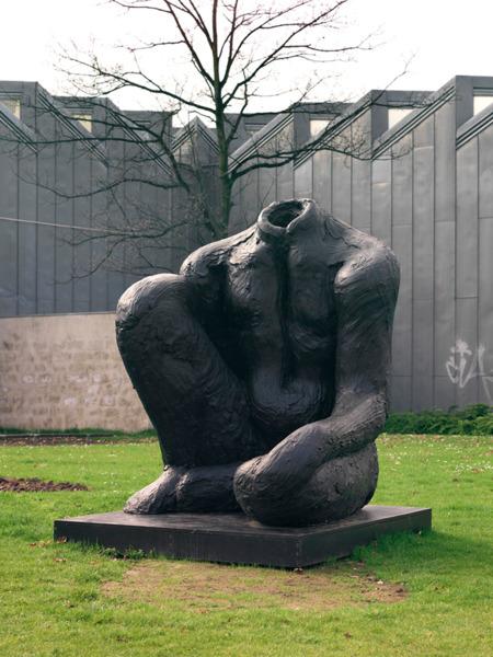 Untitled, 2008, Bronze, 249 x 175 x 200 cm