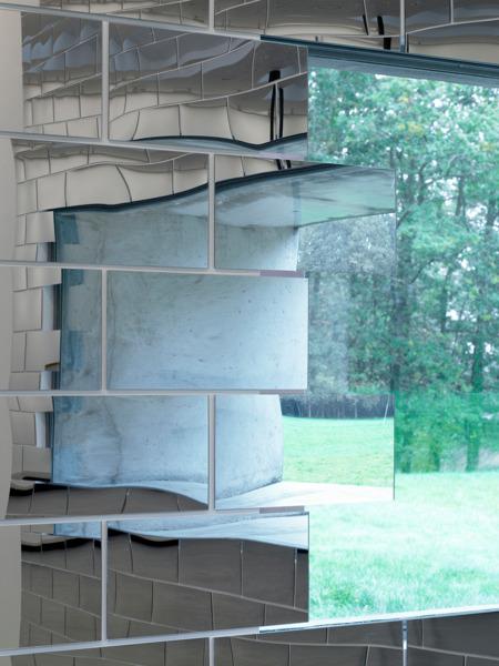 Installation view 'ALL THAT IS SOLID MELTS INTO AIR', FRAC des Pays de la Loire, Carquefou, 2006