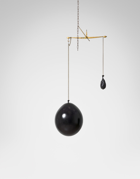 Katja Strunz, Drehmoment (Viel Zeit, wenig Raum), 2013, Epoxy resin, various metals, 182 x 53 x 27 cm