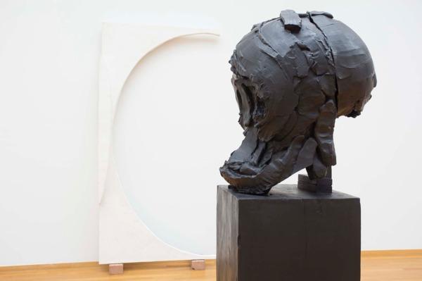 Skull Head (Study), 2013 (detail), Bronze, 209.6 x 72.4 x 81.3 cm, Installation view, Gemeentemuseum, Den Haag, 2014