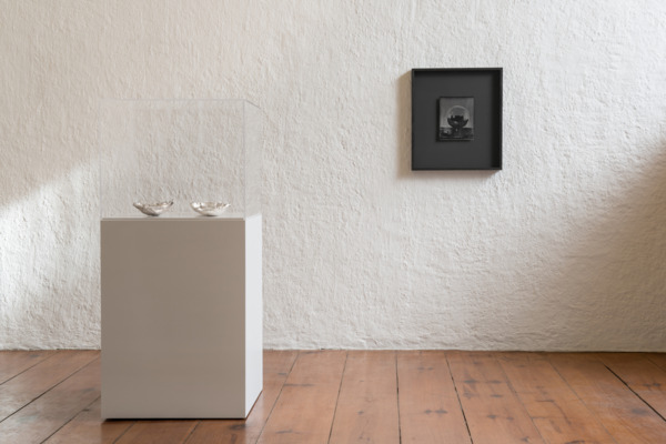 Installation view 'Bowls, Plates', Casa Estudio Luis Barragán/Luis Barragán House and Studio, Mexico City, 2015