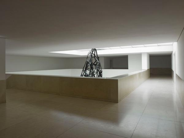 Monika Sosnowska, Facade, 2013, Painted steel, 728 x 510 x 210 cm