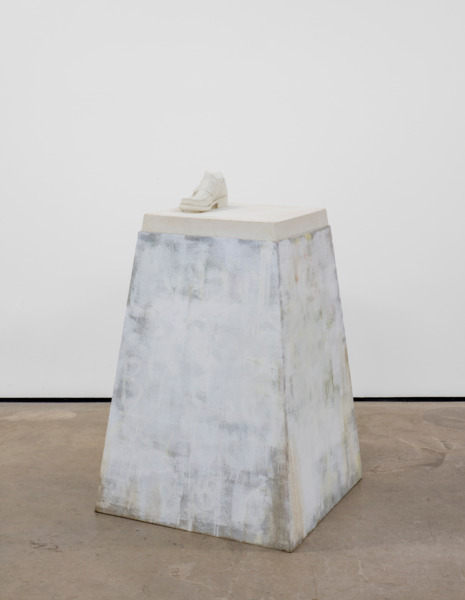 Richard Hughes, Man of Mistory, 2014, Powdered marble, white cement, 120.5 x 76 x 76 cm