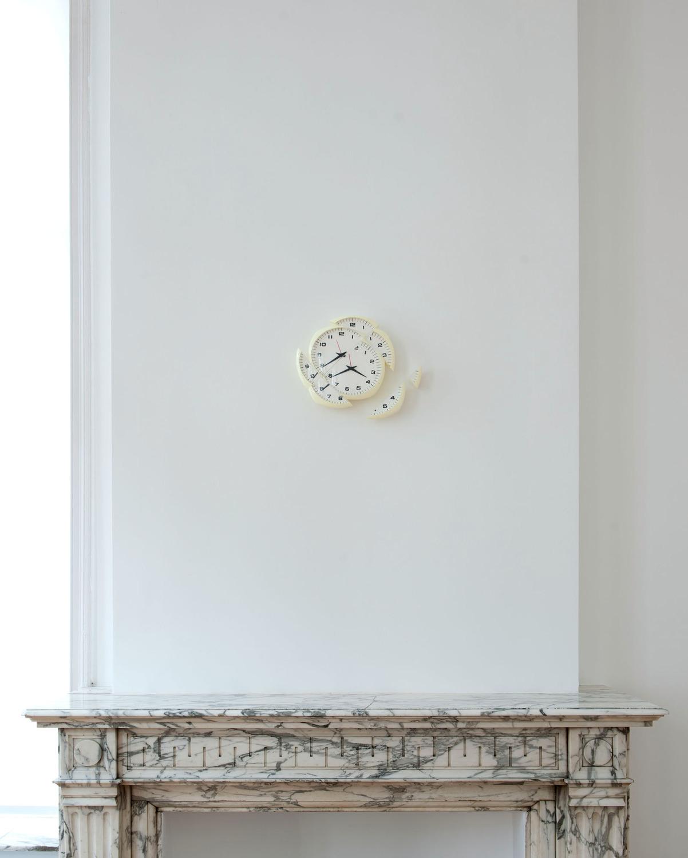 Triptick, 2011, Polyurethane resin, vinyl, 33 x 37 x 5 cm