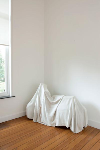 Ghost, 2011, Polyester resin fiberglass, resin cast, 105.4 x 166 x 65.7 cm