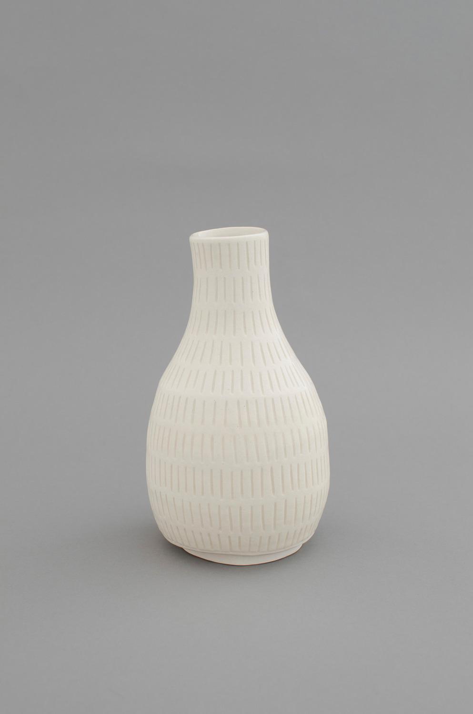 Shio Kusaka, (mark 15), 2012, Stoneware, 20.3 x 11.4 x 11.4 cm
