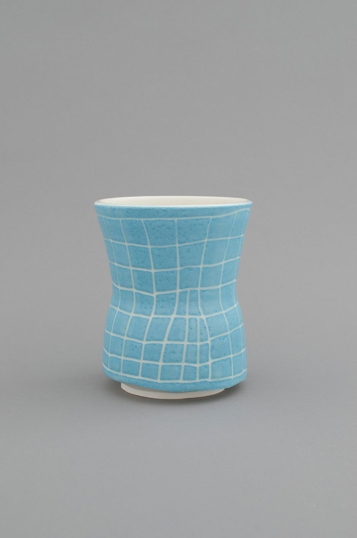 Shio Kusaka, (grid 28), 2012, Porcelain, 15.9 x 13.3 x 13.3 cm