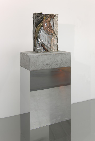Jim Lambie, Beggars Banquet (All Knight Long), 2010, Suit of armour crushed with steel trays, brass & copper plates set in concrete block, polished steel plinth, 135 x 48 x 32 cm