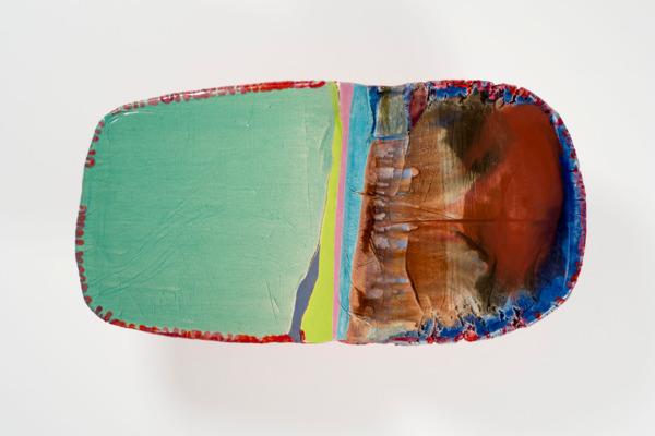 Liz Larner, ii (inflexion), 2013- 2015, Ceramic, epoxy, pigment, 46.5 x 85.9 x 26.7 cm
