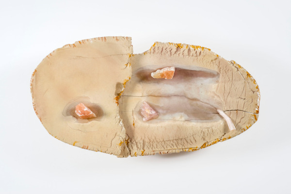 Liz Larner, v (subduction), 2014- 2015, Ceramic, epoxy, pigment, stones and minerals, 52.7 x 99.7 x 28.6 cm