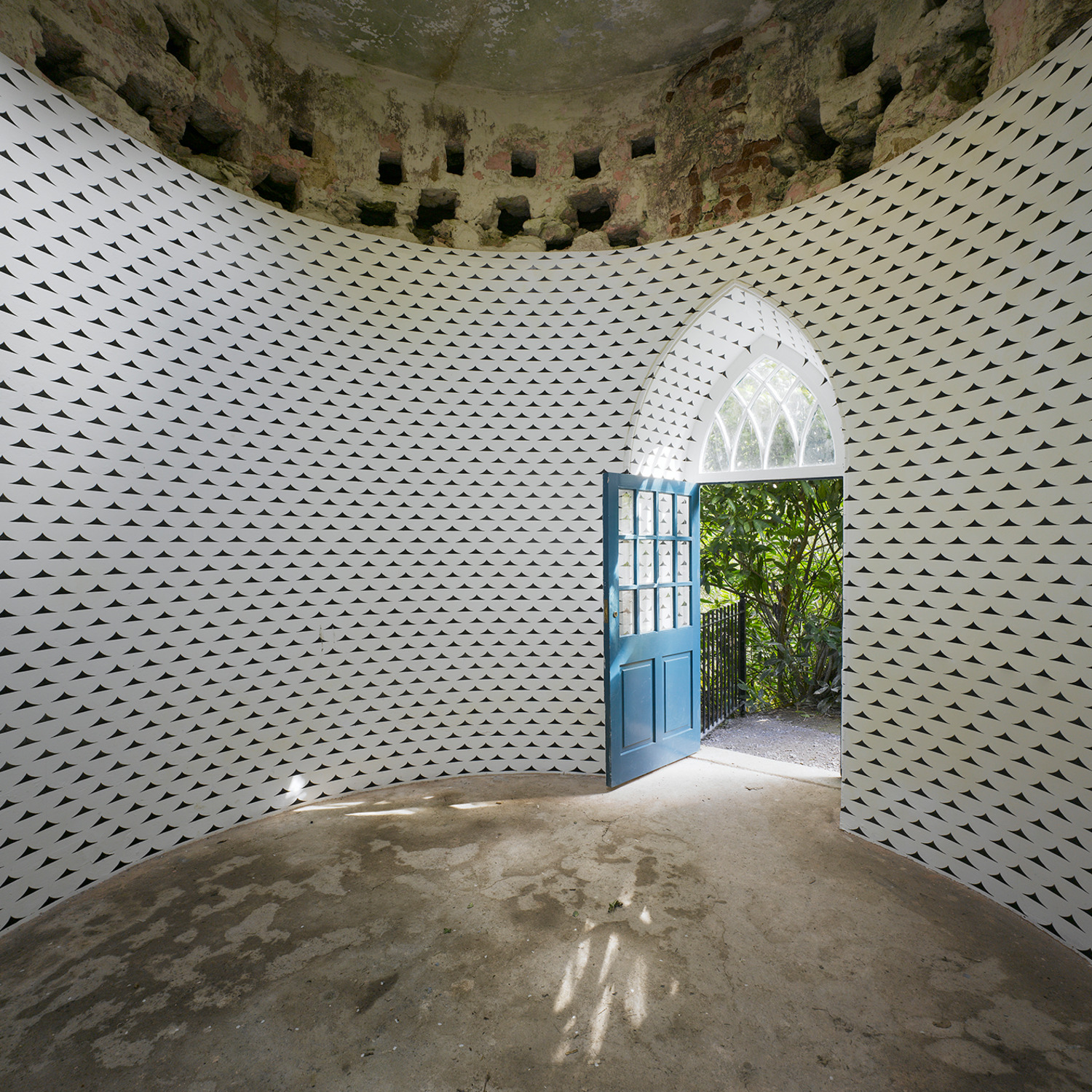 No Title, 2011, Acrylic on wall, Dimensions variable, Installation view, Lismore Castle Arts, Lismore