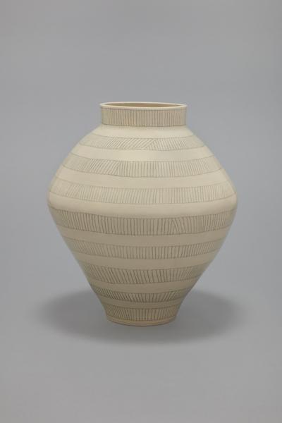 (line 38), 2016, stoneware, 47.6 x 42.5 x 42.5 cm, 18.75 x 16.75 x 16.75 in