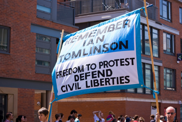Remember Ian Tomlinson, 2009, Banner made by Ed Hall, 120 x 200 cm, 47.2 x 78.7 in