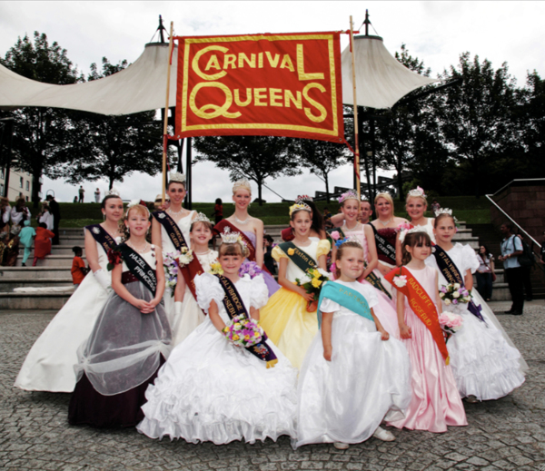 Carnival Queens, 2009, Banner made by Ed Hall, 120 x 200 cm, 47.2 x 78.7 in